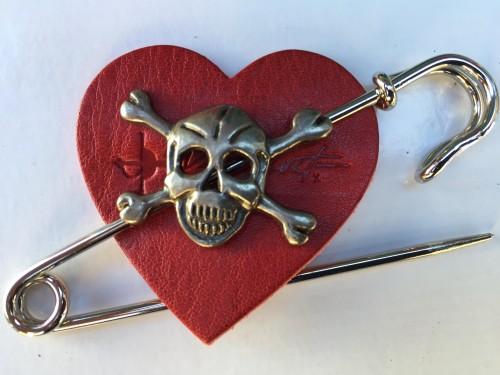 skull pin red